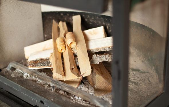 Bygge opp bål peis